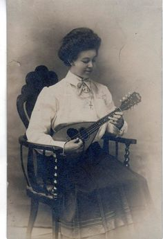 Lady and mandolin