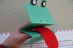 Folded card hand puppets - 11 easy puppet making ideas for kids - Netmums Paper Bag Puppets, Sock Puppets, Hand Puppets, Diy For Kids, Crafts For Kids, Summer Crafts, Paper Bag Crafts, Puppets For Kids, Egg Carton Crafts
