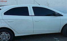 Seis homens são encontrados com carro roubado de policial civil na Serra