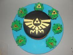 Legend of Zelda Cake & Triforce Cupcakes
