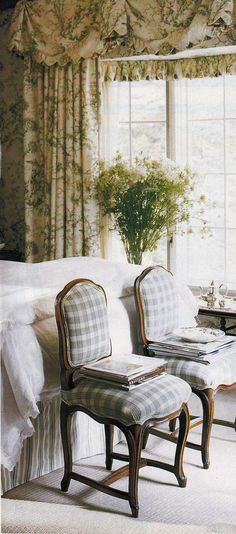 Chairs instead of a bench at the end of the bed. Dan Carithers, Virginia Country House. Southern Accents: