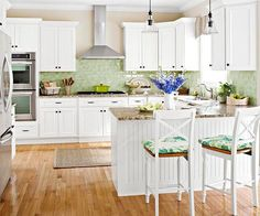 remodeled kitchen photos before and after | ... kitchen/remodeling/makeover/before-and-after-kitchens/?socsrc