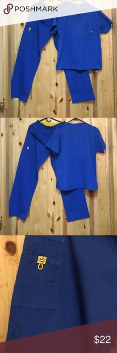 """Wonderwink Scrub Set Small Regular Inseam 29"""" Wonderwink Scrub Set Small Regular Inseam 29"""" GUC Top is older than Pant so Color is slightly different. I never noticed till now Pant is Cargo Top has Double Chest Pocket Royal Blue Wonderwink Other"""