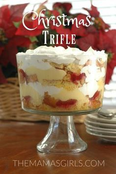 Trifle - It's easier than it looks & so impressive! Desserts Christmas TrifleChristmas Trifle - It's easier than it looks & so impressive! Trifle Bowl Desserts, Köstliche Desserts, Delicious Desserts, Dessert Recipes, Impressive Desserts, Diner Recipes, Chef Recipes, Plated Desserts, Health And Wellness