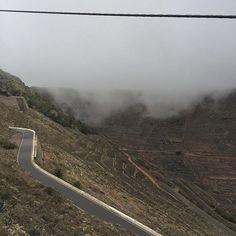 Den Wolken zum Greifen nach! Was für ein Gefühl wenn die Wolken einem die Wange streicheln  #roadtrip #lanzarote #placetobe #nicetobehere