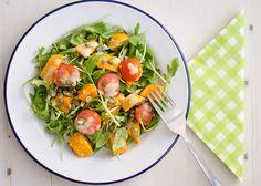 Een heerlijk vegetarisch voor-, bij- of lunchgerecht. Van deze multifunctionele receptjes kun je alleen maar blij worden toch?! Door het stomen van de zoete aardappel valt deze minder uit elkaar [