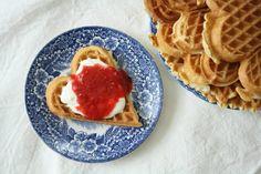 no - Finn noe godt å spise Scandinavian Desserts, Norwegian Food, Norwegian Recipes, Crepes And Waffles, Baked Goods, Cake Recipes, Food And Drink, Sweets, Cookies