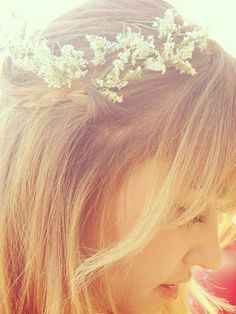 wear some flowers in your hair... #LaurenConrad