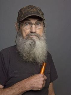 Picture: Si Robertson in 'Duck Dynasty.' Pic is in a photo gallery for Si Robertson (Duck Dynasty) featuring 12 pictures. Robertson Family, Quack Quack, Duck Commander, Epic Beard, Duck Dynasty, Hottest Pic, Celebs, Celebrities, Best Shows Ever