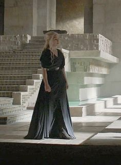 Dany season 6 black dress