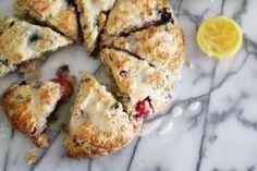 Lemon berry scones - http://www.diypinterest.com/lemon-berry-scones/