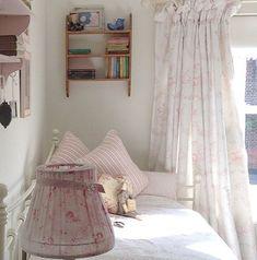 Found >> Shabby Chic Cottage :)