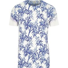 White palm tree print short sleeve t-shirt Mens Holiday Clothes, Palm Tree Print, T Shirt Vest, Mens Sale, Printed Shorts, River Island, Summer Outfits, Men Casual, Mens Tops