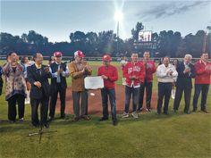 """Entregan reconocimiento de Espacio 100% Libre de Humo de Tabaco a Estadio de beisbol """"Fray Nano"""", de los Diablos Rojos del México - http://plenilunia.com/estilo-de-vida/deportes/entregan-reconocimiento-de-espacio-100-libre-de-humo-de-tabaco-a-estadio-de-beisbol-fray-nano-de-los-diablos-rojos-del-mexico/51898/"""