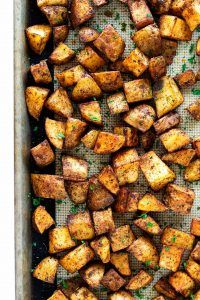 These roasted russet potatoes are tossed in olive oil with herbs and seasonings then roasted to perfection in your oven. These roasted russet potatoes are tossed in olive oil with herbs and seasonings then roasted to perfection in your oven. Roasted Potatoes Russet, Russet Potato Recipes, Seasoned Potatoes, Scalloped Potato Recipes, Easy Potato Recipes, Twice Baked Potatoes, Oven Recipes, Cooking Recipes, Breakfast