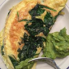 Non nom! The omelette actually worked out today! #paleo #keto #guacamole #healthyfat #organiceggs #avocado #spinach #lowcarb #breakfast #healthyfood #healthyeating