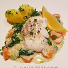 Edels Mat & Vin: Skrei med grønnsaksstuing og kokte poteter (Grete Roede) Ratatouille, Nom Nom, Eggs, Lunch, Fish, Dinner, Breakfast, Spinach, Dining