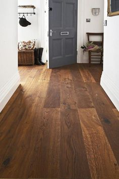 Because of its timelessness, hardwood is an ideal option for living room flooring. Even if your decor changes beyond time, hardwood stays in style. Living Room Hardwood Floors, Wood Front Doors, Warm Wood Flooring, Dark Wood Bedroom, Wooden Room, Hardwood Floors, Engineered Wood Floors Oak, Wood Floor Dining Room, Flooring