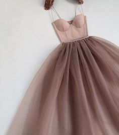 Prom Outfits, Teen Fashion Outfits, Dress Outfits, Fashion Dresses, Classy Dress, Classy Outfits, Pretty Outfits, Simple Elegant Dresses, Stylish Dresses For Girls