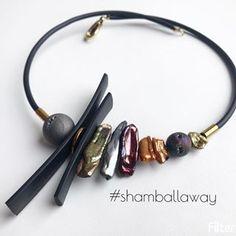 Ещё одна метафизическая стрекозюлинаПерламутр, гематит, каучукЦена 1800₽ #shamballaway