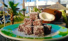 Τρουφάκια καρύδας | ION Sweets Krispie Treats, Rice Krispies, Yams, Panna Cotta, French Toast, Sweets, Chocolate, Breakfast, Ethnic Recipes