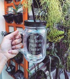 Não tenha medo de sonhar! ❣ As jarrinhas com canudo são as mais desejadas no momento!  Garanta a sua em: www.ivyshop.com.br   #jarras #canecas #garrafas #xícaras #criativos #cozinha #presentes #casa #enxoval #sonhar #masonjar #copos #ivyshop #canudo #fofurice #mimos #comprinhas