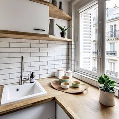 Only 38 M2 And With A Strong Scandinavian Feel Open Kitchen Living Dinning Area Mode This Paris Apartment Is Little Je