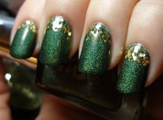 ideas for nails dark green design st pattys Dark Nails, Gold Nails, Gold Glitter, St Patricks Day Nails, Dipped Nails, Nail Games, Super Nails, Green Nails, Holiday Nails