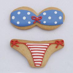 She wore an itsy bitsy, teeny weeny, yellow polka dot bikini! The 3 Bikini Top Cookie Cutter is simply irresistible for any tropical-themed party. Match it up with the Bikini Bottom cookie cutter for a full set, and lots of laughs. Summer Cookies, Fancy Cookies, Cake Cookies, Cupcake Cakes, Onesie Cookies, Cookies Soft, Cupcakes, Bikini Cookies, Matcha
