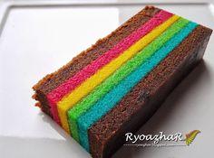 Ryo ...: Kek Lapis Instagram versi II Thousand Layer Cake, Baking Recipes, Cake Recipes, Resep Cake, Asian Cake, Layered Desserts, Moon Cake, Rice Cakes, Piece Of Cakes