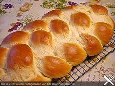 Uromas Hefezopf, ein leckeres Rezept aus der Kategorie Brot und Brötchen. Bewertungen: 82. Durchschnitt: Ø 4,8.