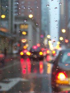 city, lights and rain image on We Heart It Walking In The Rain, Singing In The Rain, Rainy Night, Rainy Days, Rainy Mood, Smell Of Rain, I Love Rain, Rain Go Away, Sound Of Rain