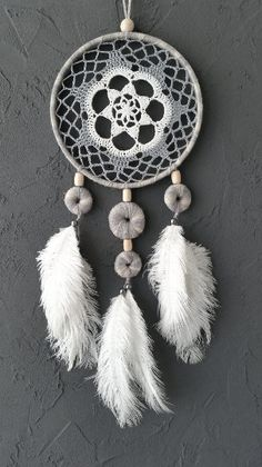 Gris blanco Beige azul sueño Catcher ganchillo por DreamcatchersUA