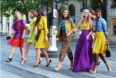 these colorful outfits! - from , shot by Tommy Ton at the Paris couture shows Tommy Ton, Fashion Week, Fashion Show, Fashion Tips, Fashion Trends, Paris Fashion, Fashion 2015, Street Fashion, Color Fashion