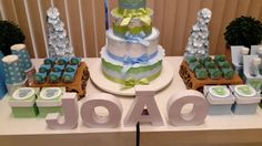 Aula prática de decoração d itens para festa. Caixas, flores, bolo tudo usando nossos papéis de fabricação própria. (11) 5181-1707 www.scrapmemory.com.br