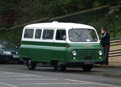 Morris J2 Minibus : 706 DTR