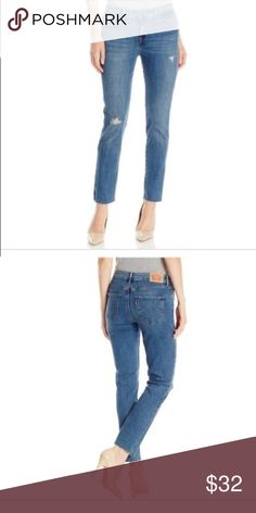 NWT LEVI'S FRAYED MID-RISE SKINNY JEANS Size 10 New with tags! Levi's frayed leg opening dark wash destroyed mid-rise skinny jeans. Size women's 10M (30). Ankle length. Levi's Jeans Skinny