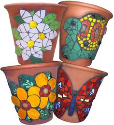 clay pots and mosaic art! Mosaic Planters, Mosaic Vase, Mosaic Flower Pots, Mosaic Garden, Mosaic Tiles, Butterfly Mosaic, Mosaic Crafts, Mosaic Projects, Flower Pot Crafts