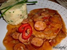 Czech Recipes, Ethnic Recipes, Snack Recipes, Snacks, Thai Red Curry, Ham, Food And Drink, Pork, Meals