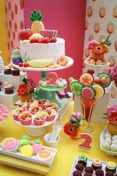 Festa frutaria - ideia diferente e criativa para festa infantil. Inspirações alegres, coloridas e lúdicas. E fáceis de fazer em casa.