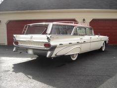 1959 Pontiac Bonneville Station Wagon