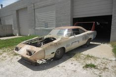 1970-Hemi-Superbird-barn-find-2