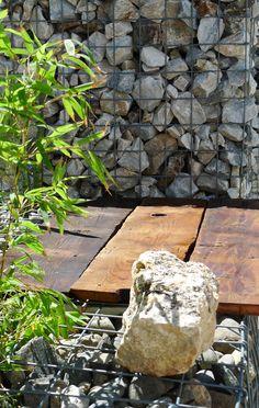 Mesa con gaviones Stepping Stones, Garden, Outdoor Decor, Home Decor, Gardens, Mesas, Stair Risers, Garten, Lawn And Garden