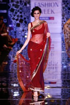 Beautiful #Saree by @Manish Patel Patel Patel Patel Malhotra @ Lakme #Fashion Week 2010