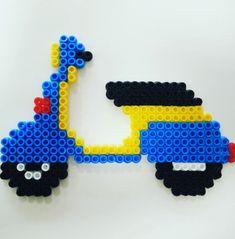 Vespa pyssla hama beads moto Piaggio