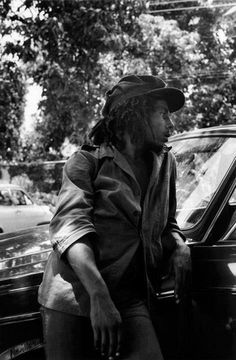 BOB MARLEY in 1975 © Peter Simon