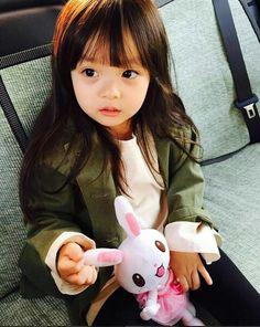 Após a morte de sua esposa, Jeon nunca mais havia sido o mesmo, se to… #fanfic # Fanfic # amreading # books # wattpad Cute Asian Babies, Korean Babies, Asian Kids, Cute Babies, Cute Little Baby, Cute Baby Girl, Cute Girls, Toddler Fashion, Kids Fashion