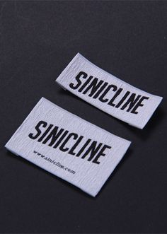 Garments woven loop fold label, low MOQ, order today! Enquiry now at info@sinicline.net.   #wovenlabel #fabriclabel #sinicline #clothing #marketing Fabric Labels, Clothing Labels, Printing Labels, Workwear, Packaging, Marketing, Tags, Clothes, Design