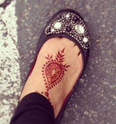 65 ideas for tattoo foot finger henna designs Cool Henna Designs, Henna Designs Feet, Finger Henna Designs, Arabic Henna Designs, Beautiful Henna Designs, Henna Tattoo Designs, Small Henna Tattoos, Foot Tattoos, Tatoos