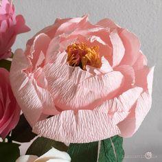 Paper Flowers Wedding, Crepe Paper Flowers, Supreme, Diy Home Decor, Sculpture, Coral Peonies, Paper Flowers, Crowns, Sculptures